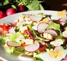 Gaivios pavasarinės salotos