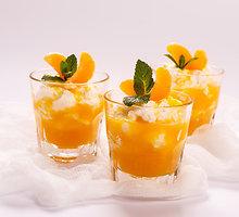 Apelsinų, migdolų ir granatų desertas