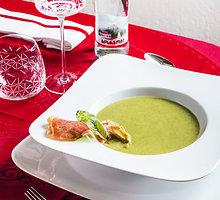 "Trinta špinatų sriuba su ""Schwarzwald"" kumpio skrebučiu"