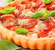 Pomidorų ir sūrio pyragas