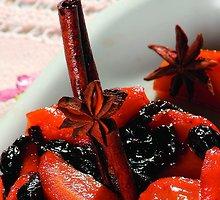 Morkų ir razinų desertas