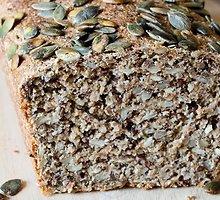 Rupių miltų  duona  su sėklomis