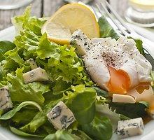 Sūrio ir kiaušinių salotos