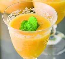 Persikų limonadas su minkštimu