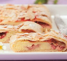 Austriškas pyragas su braškėmis