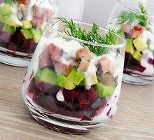 Burokėlių salotos su žuvimi