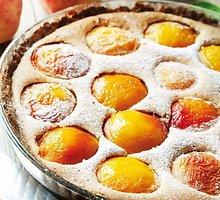Pyragas su nektarinais