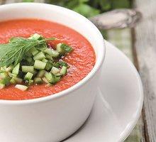 Šalta pomidorų sriuba (gaspačas)