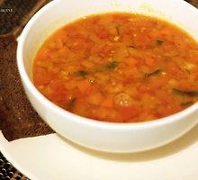 Aštri žirnių pomidorinė sriuba
