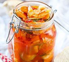 Daržovės pomidorų padaže