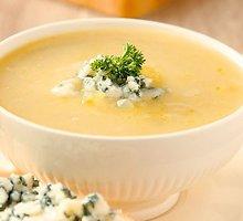 Plakta svogūnų ir salierų sriuba