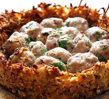 Mėsos pyragas su morkų plutele