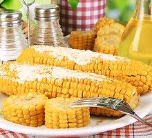 Virti kukurūzai su sviestu