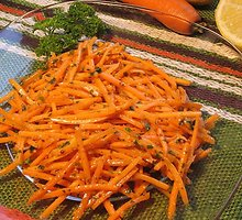 Korėjietiškos morkų salotos