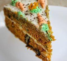 Morkų tortas su riešutais ir maskarponės kremu