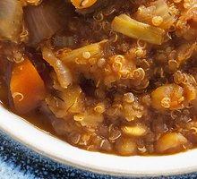 Vištienos ir bolivinių balandų sriuba