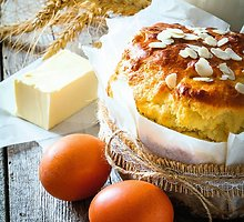 Velykų duona su džiovintais vaisiais