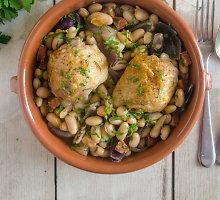Vištiena su žiemos daržovėmis ir chorizo dešra