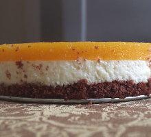 Gaivus persikų tortas su varške