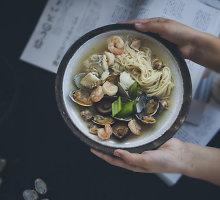 Japoniška moliuskų sriuba