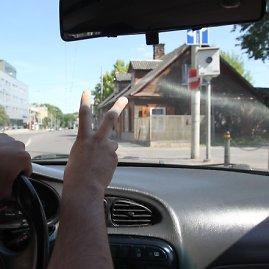 Irmanto Gelūno / 15min nuotr./Greičio mėgėjai sostinės gatvėse jaučiasi nebaudžiami.