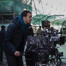 """Filmo kūrėjų nuotr./Rupertas Sandersas filmuojant juostą """"Dvasia šarvuose"""""""