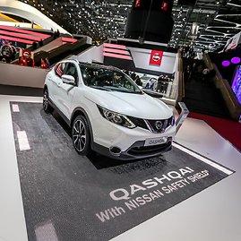 """Juliaus Kalinsko/15min.lt nuotr./""""Nissan"""" stendas Ženevos automobilių parodoje"""