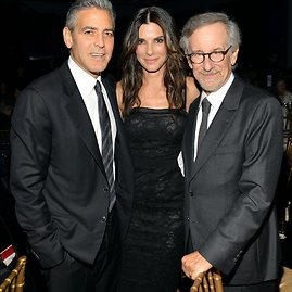 "AFP/""Scanpix"" nuotr./Sandra Bullock, George'as Clooney ir Stevenas Spielbergas 2013-aisiais"