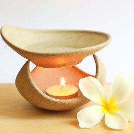 """""""Shutterstock"""" nuotr./Aromaterapinė lempa"""