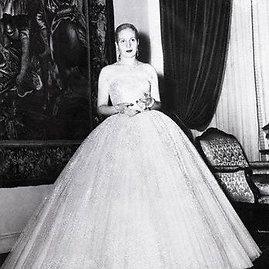 wikimedia.org/Eva Perón – pirmoji Argentinos dama, vilki Ch. Dioro kurtą suknelę, 1950 m.