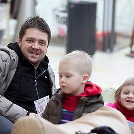 Viganto Ovadnevo/Žmonės.lt nuotr./Laurynas Šeškus su vaikais