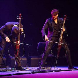 """Violončelininkų duetas """"2 Cellos"""""""