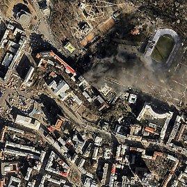"""AFP/""""Scanpix"""" nuotr./Dūmai prie Hruševskio gatvės barikadų"""