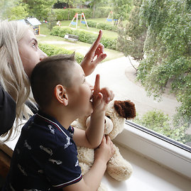 Ypatingas Silvijos ir Altano ryšys: emocinių sunkumų turėjęs berniukas subrendo