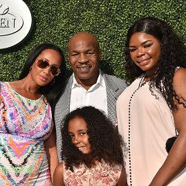 """""""Scanpix"""" nuotr./Mike'as Tysonas su šeima ir dukra Milana"""
