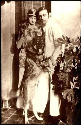 Goldensilents.com nuotr./Rudolphas su antrąja žmona Natacha Rambova