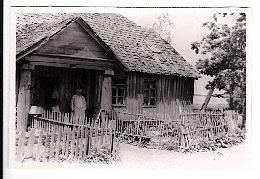 Venclovų namų-muziejaus nuotr./ LIMIS archyvo nuotr./Merkelis Račkauskas Šiaudinės dvarelyje, XX a. antroji pusė