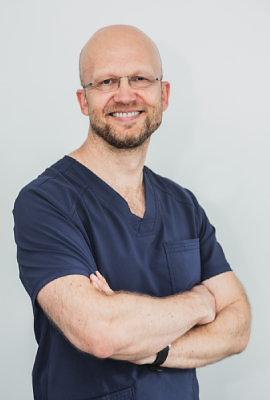 Asmeninio archyvo nuotr. /Gydytojas odontologas-implantuojantis gydytojas Edvinas Mileris