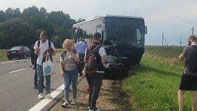 Kelyje Prienai–Jieznas į autobusą įsirėžus automobiliui, žuvo jo vairuotojas