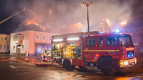 Vokietijoje degė pabėgėliams skirti namai