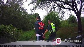 Alytaus pareigūnai vaikėsi vaikiną, kuris sako išsigandęs policijos automobilio