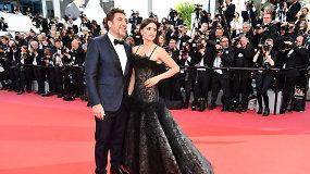 Atidarytas Kanų kino festivalis – žvaigždės žengia raudonuoju kilimu