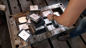 Pamatykite, kaip sudėtingai buvo paslėpta 610 kg kokaino siunta