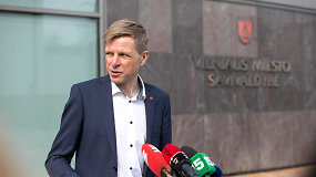 """Vilniaus meras R.Šimašius skiepijasi """"Vaxzevria"""" vakcina nuo koronaviruso"""