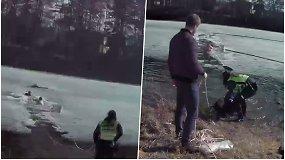 Policijos pareigūnas nėrė į ledinį vandenį, kad išgelbėtų skęstantį vyrą