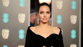 Ant BAFTA apdovanojimų raudonojo kilimo dominavo juoda spalva