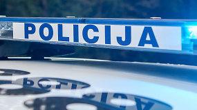 Kauno prokuratūra praneša apie sėkmingą teisėsaugos operaciją: rastos didelės sumos pinigų bei ginklų