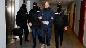 Į teismą atvedamas sulaikytas advokatas Marius Navickas