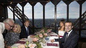 JAV ir Prancūzijos prezidentai vakarieniavo Eiffelio bokšto restorane