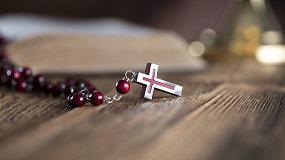 Lietuvis kunigas kaltinamas prieš dešimtmetį vaistais nuslopinęs ir seksualiai išnaudojęs mažametį